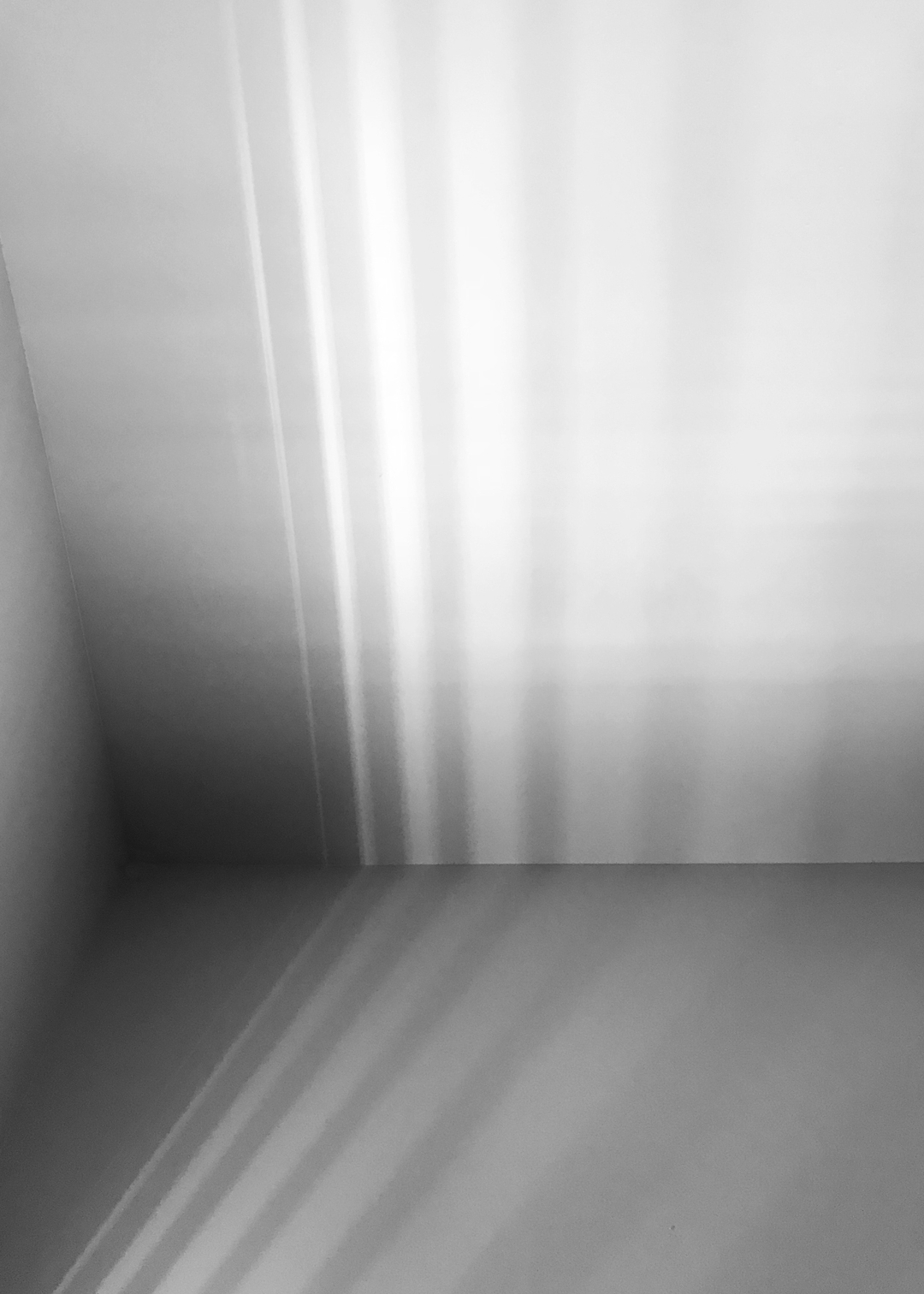 light-pattern-lines-M-bw-classic-1080 (1)